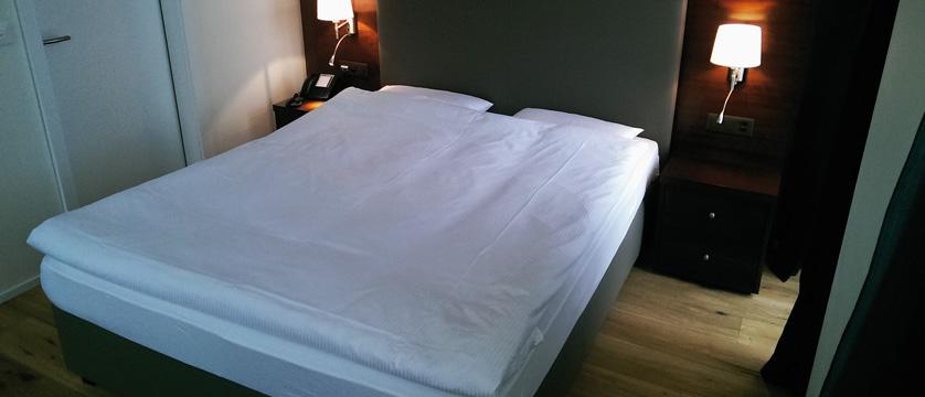 Hotel Beau Rivage, Weggis, Lake Lucerne, Switzerland - double bedroom.jpg